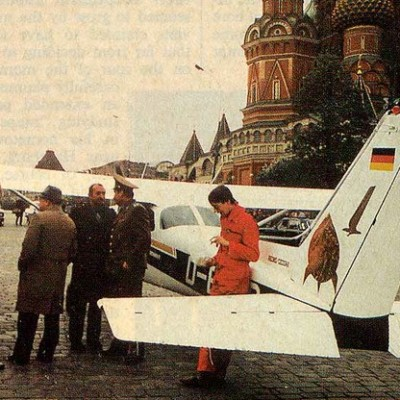 28th May 1987: West German amateur pilot lands a plane near Red Square