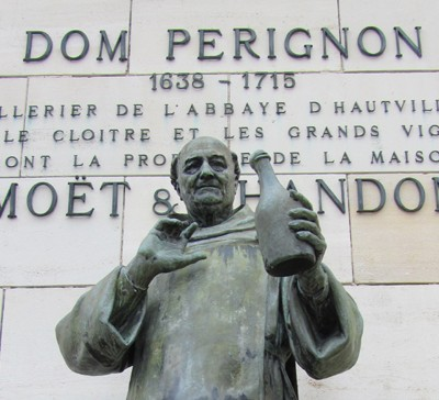 4th August 1693: Dom Pérignon supposedly invents champagne