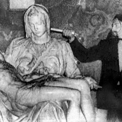 21st May 1972: Laszlo Toth attacks and seriously damages Michelangelo's Pietà statue